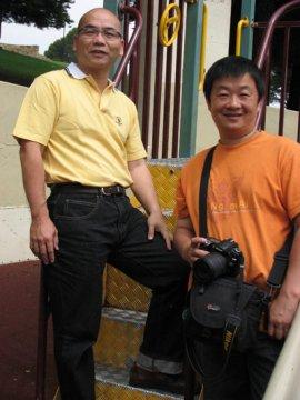 作者非智(左)与画家叶峰