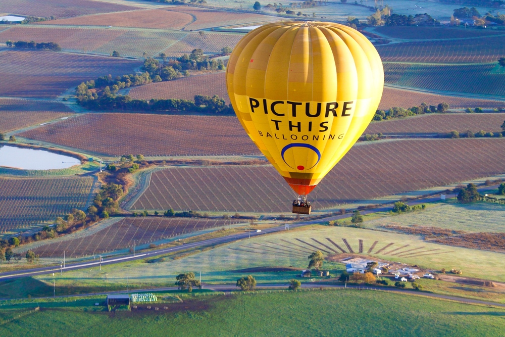 Hot+air+balloon+over+Yarra+Valley