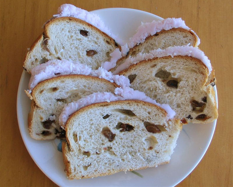 pink-boston-bun-copyright-leigh-c-russell-rushleigh-the-at-home-chronicle-1