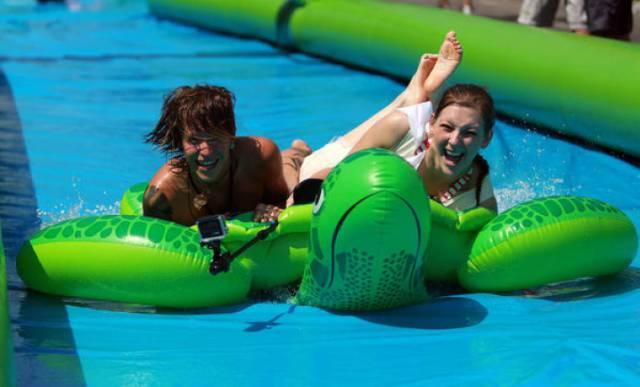1月10日墨爾本最大的水滑道即將開放!你準備好清涼一夏了嗎?-澳洲唐人街
