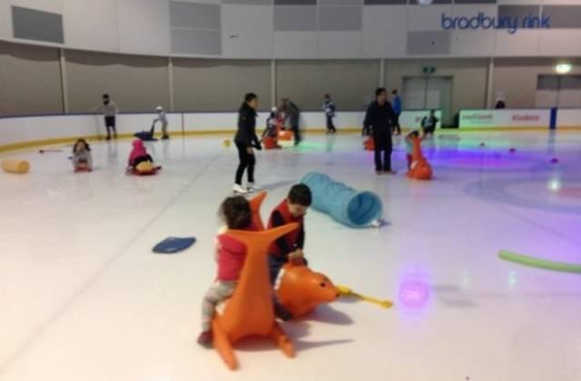 墨尔本最受欢迎的滑冰场开放啦~~大家一起去凑个热闹吧!-澳洲唐人街