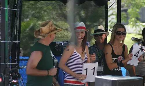 一年一度的澳洲賽蟑螂大賽又來了,就在1月26日國慶日-澳洲唐人街
