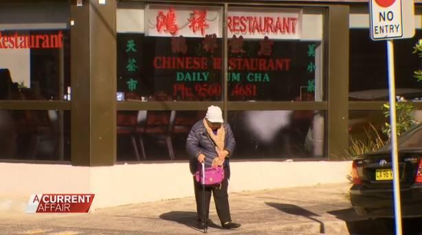 澳洲人为这家中餐馆吵起来了!澳媒曝中国餐馆用衣架晾腊肉!卫生问题还是习俗问题?!-澳洲唐人街
