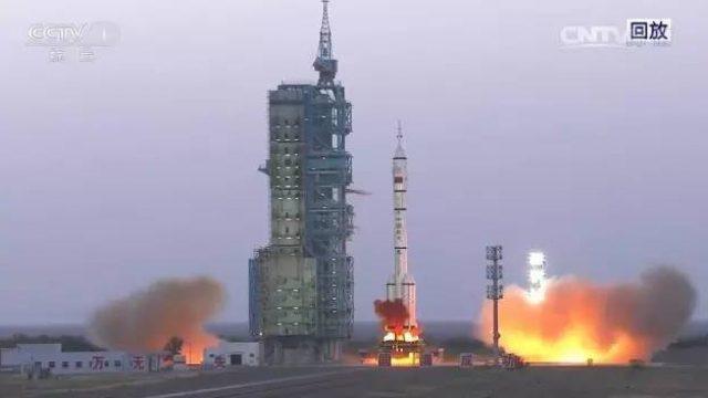 突发!585秒!中国让全世界都沸腾了!就在刚刚,中国干了件震惊全宇宙的大事!连美国和澳洲都羡慕不已…