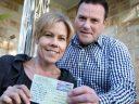 澳洲邮政又创奇迹,一张明信片竟花了55年才寄到澳洲,跨越了长达7200公里的距离