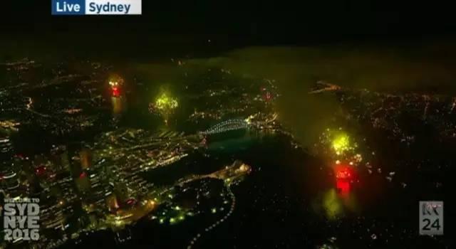 多图!墨爾本悉尼用美征服了全世界!跨年烟火秀现场绝美图集!10万种烟花照亮夜空!-澳洲唐人街
