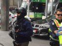突发!Bourke St发生枪击!CBD警戒封锁!特警荷枪实弹疏散人群!