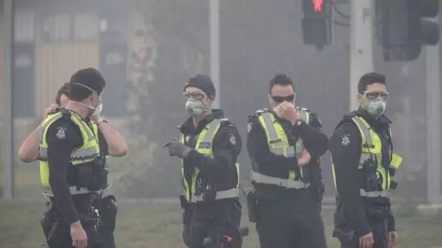 墨尔本垃圾場连续三天大火,致命「毒雾」擴散,專家警告吸入将对人体造成损害!-澳洲唐人街