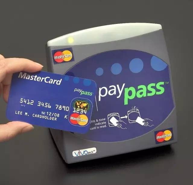 曾在Woolworths刷卡購物的人注意:Woolworths稱系统故障重複扣4個月前款項-澳洲唐人街