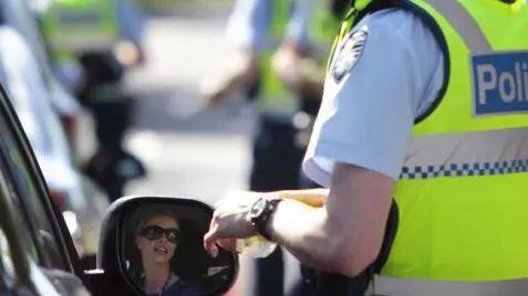 维州计划实施最严酒驾处罚:哪怕初次酒驾,哪怕酒精含量只超0.05,也会被立即吊销驾照-澳洲唐人街