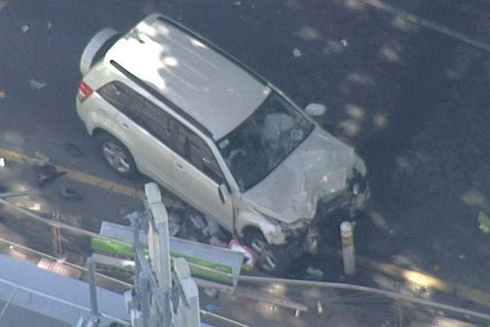 突发!Flinders Street Station发生车撞人紧急事件,警察大范围封锁街道!最新受伤人数19人-澳洲唐人街