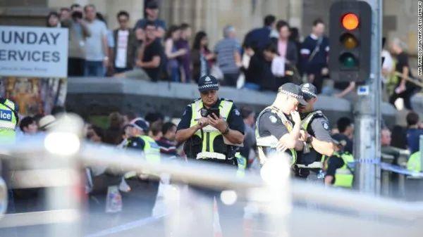 CBD驾车撞人事件回顾:19人受伤,4人重伤!警方已排除恐袭,袭击者為中东人-澳洲唐人街