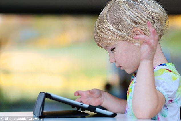在澳洲上個學,連文具都買不起:澳洲媽媽收到學校天價文具清單,包括一台新款iPad-澳洲唐人街