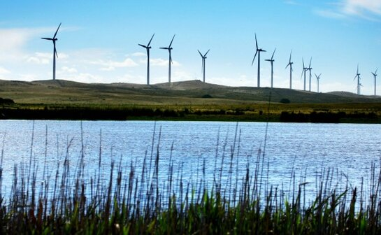 Governor's Column|Victoria builds Australia's largest wind power project